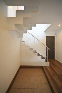 鉄骨階段 玄関
