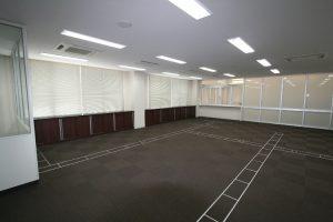 事務室 床配線ピット 床暖房